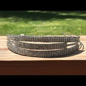 ⭐️Brand new Charming Charlie rhinestone head band